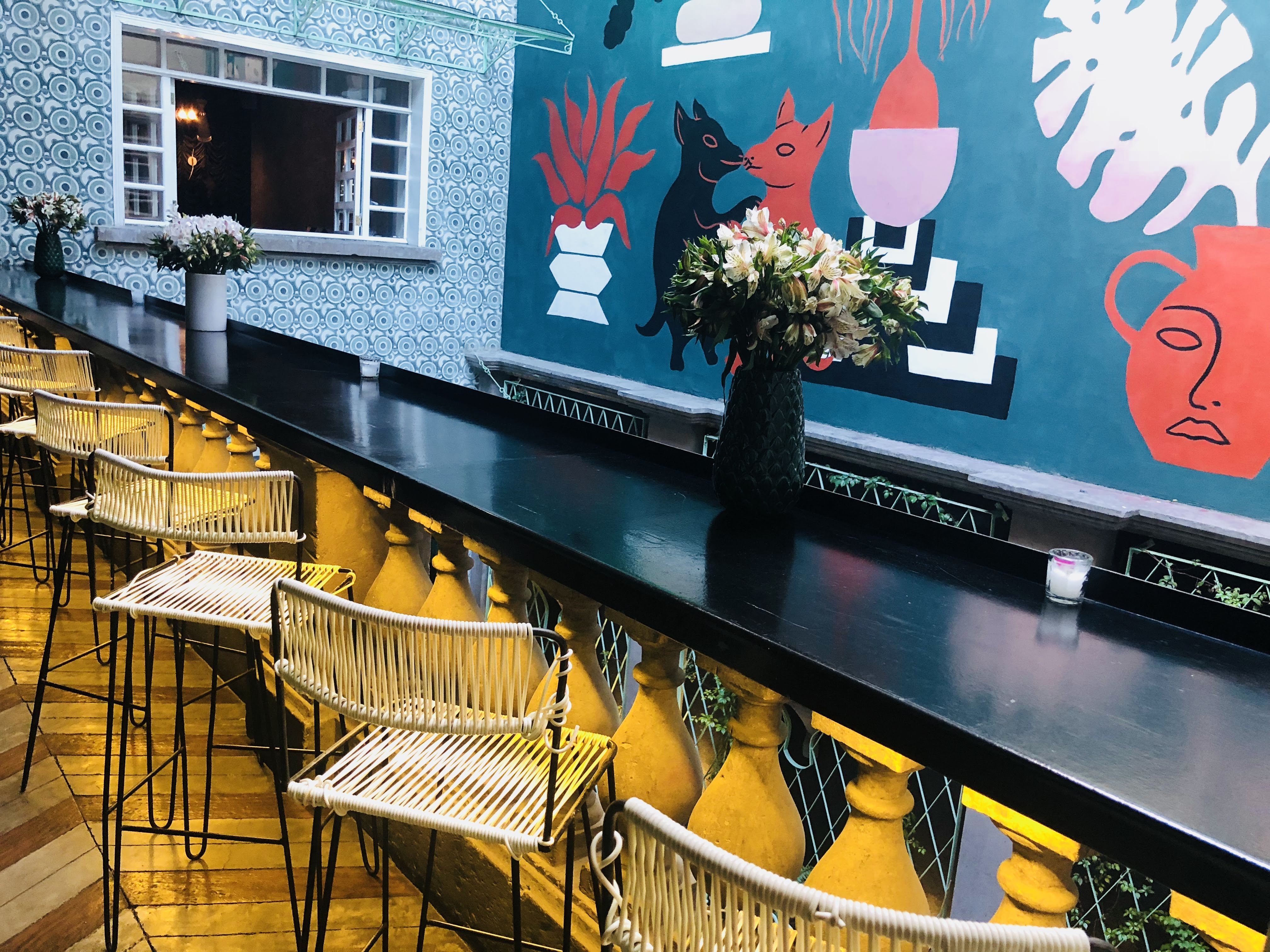Tarde de 'terraceo', arte y 'drinks' en Hotel Casa Awolly