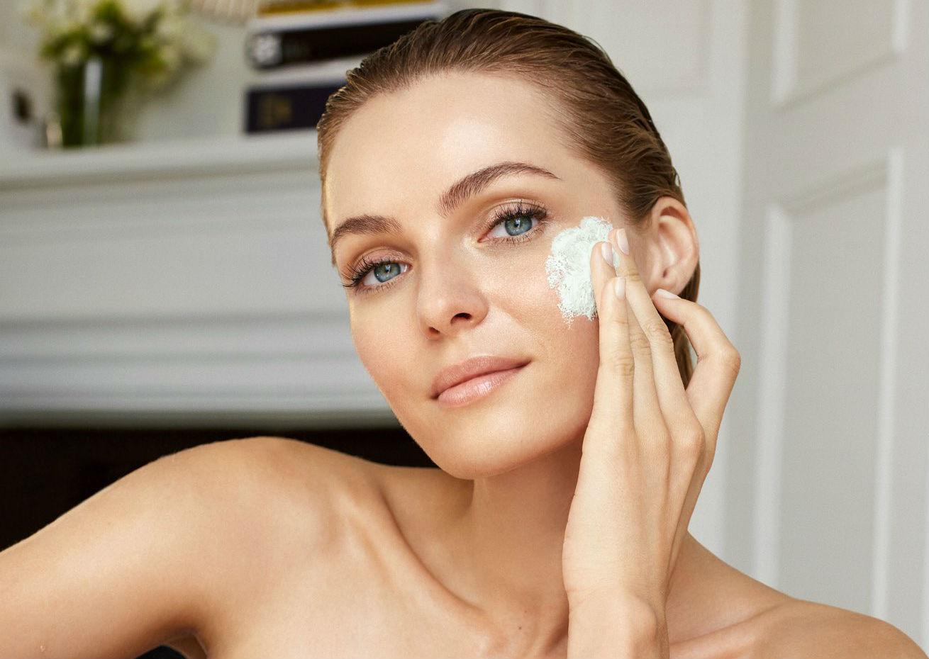 5 cosméticos antiedad en los que toda mujer debe considerar invertir